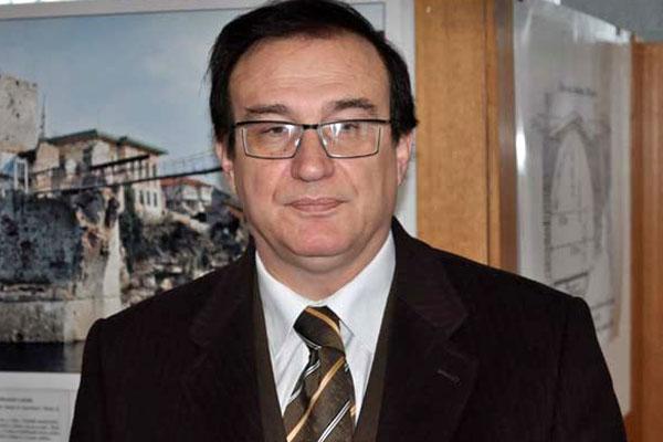 adamir-jerkovic-direktor-arhiva-federacije-bih-srebrenicki-inferno-cemo-kadtad-postaviti-u-beogradu_1437767429